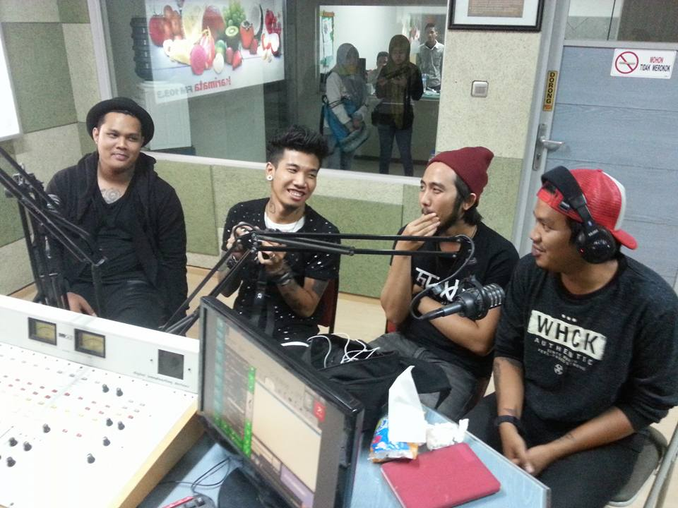 04. Last Child Live On Air di Radio Karimata FM